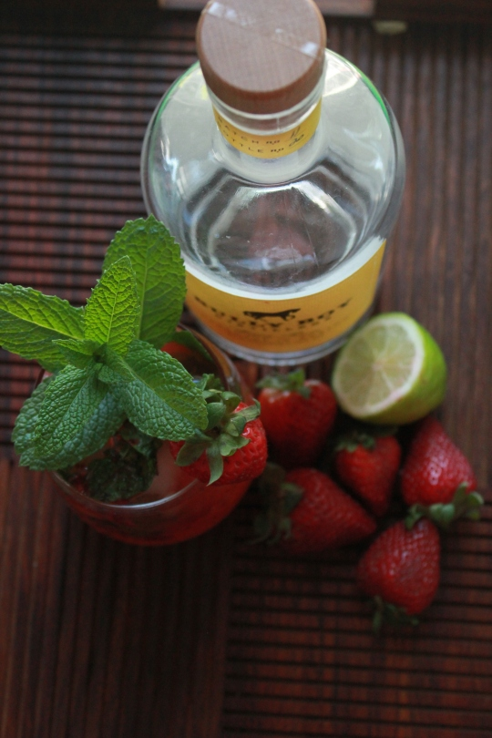 Skinny Strawberry Mojitos